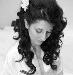 wedding-hairdress-santorini